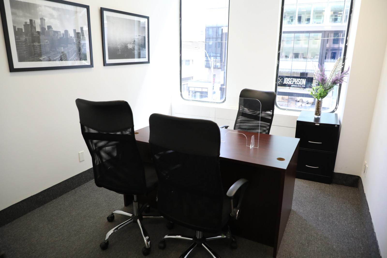 Day-Office-OfficeExec